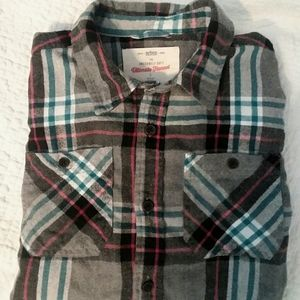 Urban Pipeline young men's flannel shirt.
